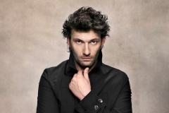 1_ROH-19-20_PRODUCTION-IMAGE_FIDELIO_Jonas-Kaufmann-who-will-perform-in-Fidelio-Photograph-by-Gregor-Hohenberg