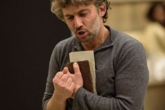 ROH-19-20_PRODUCTION-IMAGE_FIDELIO_Jonas-Kaufmann-as-Andrea-ChÇnier-c-ROH